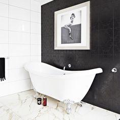 Mono bathroom