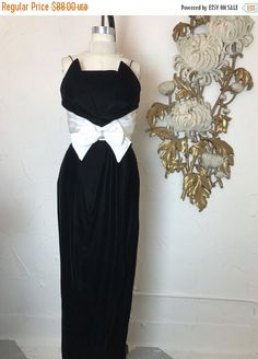 1980s dress velvet gown black formal size medium vintage dress