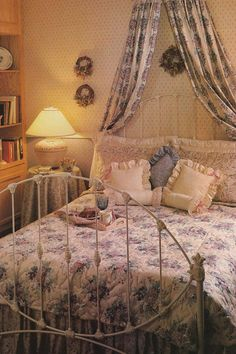 country decor vintage goodness 1 0 80 s home decorating. 1980s Bedroom, Retro Bedrooms, Country Bedrooms, Room Ideas Bedroom, Girls Bedroom, Bedroom Decor, Cozy Bedroom, Retro Home Decor, Home Decor Trends