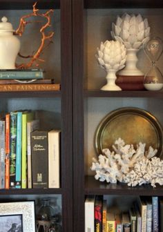 Decorate bookshelves