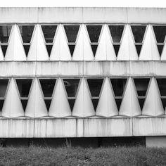 mid century facade