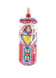 Judith March Aztec Jacquard Wine Bag (Pink Multi) – DejaVu