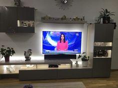 iWohnung Stojadinovic Living Room Decor Cozy, Flat Screen, Houses, Desktop, Lighting, Projects, Blood Plasma, Flatscreen, Dish Display