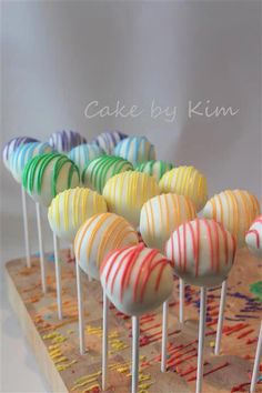 rainbow cake pops - Dessert and Cakes - Rainbow Cake Pops, Rainbow Food, Rainbow Theme, Rainbow Baby, Rainbow Cakes, Rainbow Birthday Party, Baby Birthday, 1st Birthday Parties, Birthday Ideas