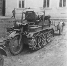 Ww1 Photos, Trike Motorcycle, Engin, Ww2 Tanks, Military Equipment, World War Two, Scale Models, Diorama, Military Vehicles