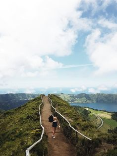 Views Açores Azores Miradouro Grota do Inferno Amazing Destinations, Travel Destinations, Azores Portugal, Places To Travel, Places To Visit, Sunset Pictures, Travel Couple, Holiday Travel, Vacation Trips