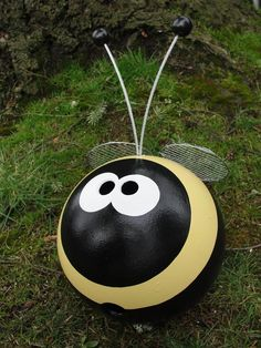 Recycled Smiles — BUMBLE BEE BOWLING BALL-I wonder if Scott will let me use his OLD bowling ball for this?...