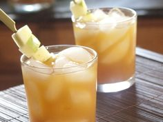 Spiked Apple Cider Cocktails...These are SOOOOO good!  Perfect for Fall!