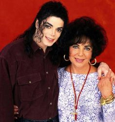 Michael Jackson and Elizabeth Taylor met when she was an extra on the Jackson's… Michael Jackson Dangerous, Photos Of Michael Jackson, Elizabeth Taylor Michael Jackson, Elizabeth I, The Jackson Five, Jackson Family, Familia Jackson, Angeles, King Of Music