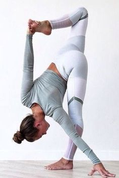 Transform Your Body By Doing Yoga - Próbáld ki a turbójógát a fájó pontjaidra! Transform Your Body By Doing Yoga - Yoga Fitness. Introducing a breakthrough program that melts away flab and reshapes your body in as little as one hour a week! Alo Yoga, Hatha Yoga, Iyengar Yoga, Kundalini Yoga, Yoga Fitness, Fitness Workouts, Workout Tips, Fitness Gear, Fitness Foods