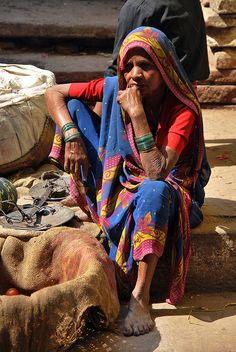 Old woman on the market, Varanasi, India Human Figure Sketches, Figure Sketching, Figure Drawing, Street Photography People, Watercolor Paintings Nature, Composition Painting, Rick And Morty Poster, Ariana Grande Drawings, Village Photos