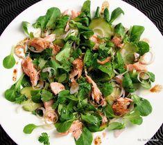 Sałatka z roszponki, łososia i ogórka | Smaczna Pyza Spinach, Healthy Recipes, Healthy Food, Food And Drink, Salad, Vegetables, Basket, Party, Blog