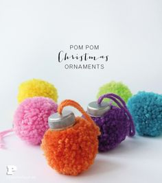 Crafters know you can never start your Christmas crafting too early especially when it involves collecting recycled materials. This project calls for plastic bottle caps so start collecting them no… basteln, How to make pom pom Christmas ornaments Christmas Ornament Crafts, Christmas Projects, Yarn Crafts, Kids Christmas, Holiday Crafts, Swedish Christmas, Recycled Christmas Decorations, Christmas Trees, Diy Crafts