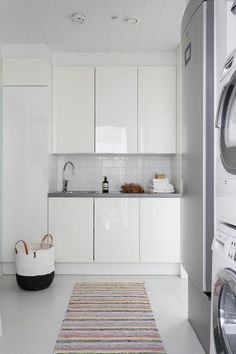 Classy Scandinavian Laundry Room Design Ideas 25 home Small Laundry Rooms, Laundry In Bathroom, Interior Design Living Room, Living Room Designs, Kitchen And Bath, Kitchen Decor, Laundry Room Design, Kitchen Remodel, Home Decor Ideas