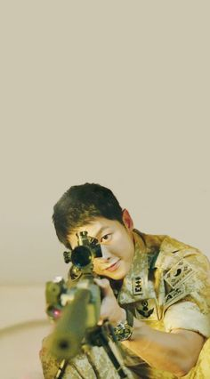 I always luved him in this drama😍😍 Korean Actresses, Korean Actors, Actors & Actresses, Song Joong Ki Dots, Soon Joong Ki, Decendants Of The Sun, Sun Song, Songsong Couple, O Drama