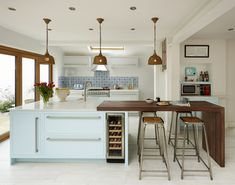 Kitchen island Plans with Seating . 8 Unique Kitchen island Plans with Seating . Modern Kitchen island with 4 Stool Seating In Arrangement We Kitchen Without Island, Kitchen Island With Seating, Industrial Kitchen Island, Modern Kitchen Island, Kitchen Islands, Long Kitchen, Shaker Style Kitchens, Home Kitchens, Kitchen Images