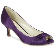 #weddingshoes #trousseaubridalshoes #bridesmaidshoes low heeled Romantic in purple is perfect for the ladies in the wedding party.Check out www.trousseaubridalshoes.co.nz - worldwide shipping is available on our shoes, please contact us