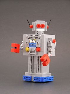 Awesome! Build this robot! New Uses for Old LEGO Bricks :D