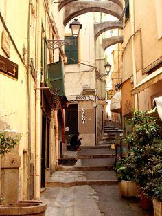 Vicolo di San Remo, Italia