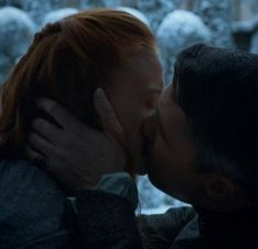 Sansa and petyr,lord Baelish finally got the kiss that he's been wanting for so long. She may not be cat,but Sansa is the closest thing to her. And Sansa is gorgeous.
