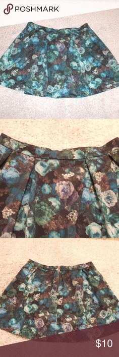 Express Floral Skater Skirt Skater skirt by Express Size large Black, blues, gray, & green in a floral print Zipper in the back 94% polyester, 6% spandex Brand new & never worn smoking home Express Skirts Circle & Skater