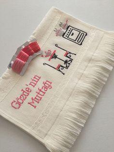 Piercings, Towel, Fashion Pants, Number, Dish Towels, Craft, Punto De Cruz, Tutorials, Dots