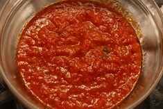 ΣΑΛΤΣΑ ΝΤΟΜΑΤΑΣ ΓΙΑ ΓΙΑΟΥΡΤΛΟΥ ΚΕΜΠΑΠ     Πολύ καλή και γευστική σάλτσα, για να την χρησιμοποιήσουμε σαν βάση πάνω σε πίτα, όταν ετοιμάζουμ... Greek Recipes, Barbecue, Chili, Dips, Soup, Bbq Tips, Chutneys, Dressings, Sauces