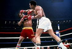 Leon Spinks took center stage over Ali at the press conference after their fight. The victorious Spi. - Neil Leifer for Sports Illustrated Leon Spinks, Neil Leifer, Ronnie Van Zant, Bob Weave, Boxing History, Popular Bands, Boxing Workout, Kick Boxing, Muhammad Ali