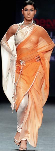 If you look closely this beautiful lady is wearing a pant with the #saree #sari ,you can try this as well.