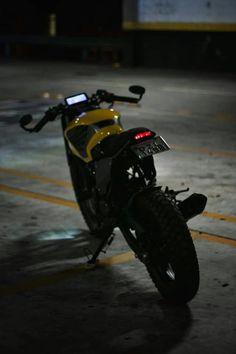 Cbx 250, Cafe Racer Moto, Motorcross Bike, Brat Cafe, Honda Cb, Custom Bikes, Cars And Motorcycles, Biker, Custom Cars