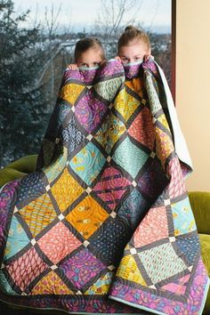 Geometric Lattice Pattern On Point Quilt - Custom Quilts by Stitched