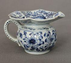 18th Century Blue and white spittoon c1750  | eBay