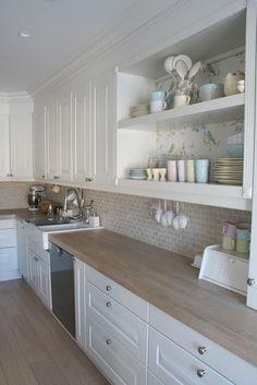 You searched for label/Kjøkken - Villa Von Krogh Open Plan Kitchen, New Kitchen, Vintage Kitchen, Kitchen Dining, Kitchen Cabinets, White Cabinets, Home Decor Kitchen, Country Kitchen, Home Kitchens