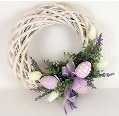 easter decorations 838584393089097873 - Věnec s levandulí jarní Source by Diy Spring Wreath, Spring Crafts, Wreath Crafts, Diy Wreath, Easter Wreaths, Christmas Wreaths, Diy Easter Decorations, Easter Crafts For Kids, Bunny Crafts