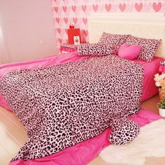 Leopard print bedding suits for you who want to make your bedroom looks fashionable. Bedding with leopard print requires the beauty of wild world. Just say good bye to your old fashioned bedding, time to replace it with the beautiful new one. Pink Bedding Set, Twin Comforter Sets, Cheap Bedding Sets, Queen Bedding Sets, Crib Bedding Sets, Cheetah Print Bedding, Masculine Bedding, Pink Cheetah, Bed Sheet Sets