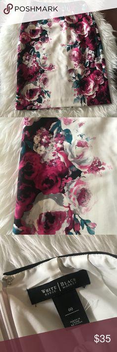 White House Black Market Floral Print Skirt Size 00. Hidden back zipper. No pockets. Fully lined White House Black Market Skirts
