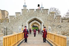 After the beautiful scenic countryside of Kent and Sussex, Hiro-san decided to look around London. He had always wanted to see the Beefeaters at the Tower of London. He wasn't sure about all those ...