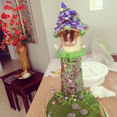banananessa:  Finally done, the top tier Tangled cake for Amelie's 4th birthday