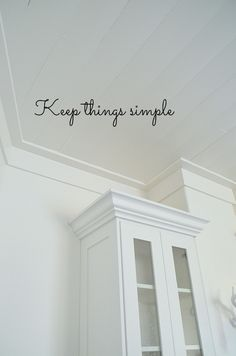 Small Kitchen Remodeling Crown molding above cabinets - 10 ways to add modern charm to a cottage kitchen remodel at Tatertots and Jello. Molding Ceiling, Ceiling Trim, Plank Ceiling, Cornices Ceiling, Shiplap Ceiling, Shiplap Trim, Coffered Ceilings, Ceiling Detail, Wall Molding