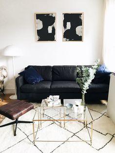 Bienno 3 Sitzer Sofa In Taubenblau Und Petrolfarben. Zwei Eigenschaften  Definieren Bienno: Die Niedrige, Relativ Schmale, Geschwungene Lehne Und Diu2026