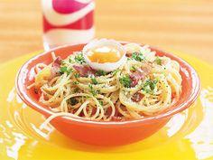 Vitlöksdoftande spaghetti carbonara | Recept från Köket.se