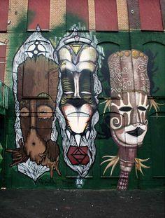 Street Art: Skount Alleviates Worries About The Economic Crisis Best Street Art, Amazing Street Art, Usa Street, Street Beat, Murals Street Art, Street Art Graffiti, Armas Sig Sauer, L'art Du Portrait, Atelier D Art