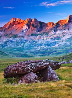 Pyrenees, Aquitaine, France : 《♡♡♡》