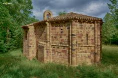 Pre Romanesque, Art Roman, Iglesias, Medieval, Arch, Outdoor Structures, Asensio, Middle Ages, Trekking