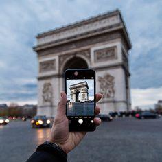 Wir starten das neue Jahr mit einer Reise um die Welt!  Seid mit dabei und verratet uns eure Lieblingsplätze mit dem Hashtag #blopparoundtheworld  Heute sind wir am Arc de Triomphe de l'Étoile in Paris!   #arcdetriomphedeletoile #paris #travel #bestthing