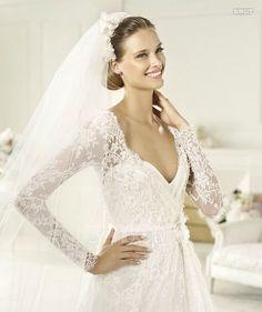 Modelo Birgit. Vestidos de Novia Alta Costura. Colección Elie Saab para Pronovias 2013.