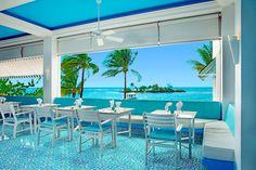 Maistuisiko lounas näissä ikkunapöydissä? #Jamaica #Couples Towes Isle