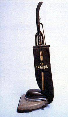 In 1936 the Hoover Company commissioned Henry Dreyfuss to 'streamline' their Model 150 vacuum cleaner Human Dimension, Hoover Vacuum, Streamline Moderne, Vintage Appliances, Vacuum Cleaners, Old Ads, Consumerism, Consumer Products, Industrial Design