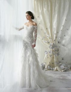 Yeni Sezon Prenses Gelinlik Modelleri #gelinlikmodelleri  #prensesgelinlikmodelleri #2014gelinlikmodelleri #sposa #weddingdresses #2014weddingdress #enmodagelinlik  http://enmodagelinlik.com/yeni-sezon-prenses-gelinlik-modelleri/