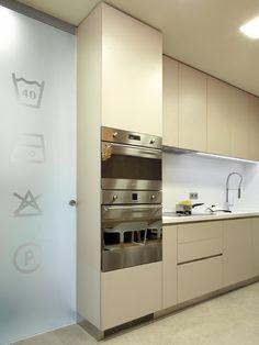 Molins Interiors // arquitectura interior - cocina - lavadero - vinilo - divisoria - vidrio